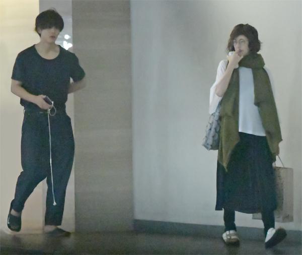 松坂桃李と高岡早紀の画像