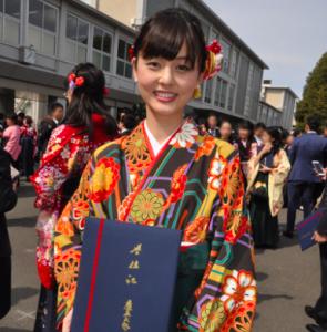 佐藤梨那アナの卒業式の画像