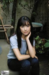 初音映莉子の画像