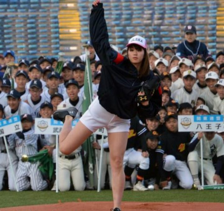 稲村亜美の中学生画像