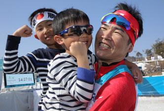 新田佳浩の子供の画像
